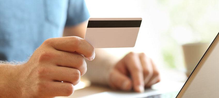 Quels sont les avantages qu'offrent les banques en ligne aux clients
